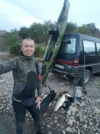 каяк для подводной охоты